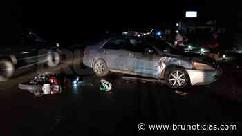 Chocan moto y auto en Santa Ana; 1 motociclista lesionado - Brunoticias