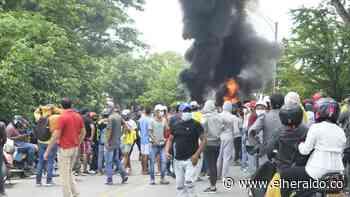 Queman y derriban las cámaras de fotomultas en Corozal, Sucre - EL HERALDO