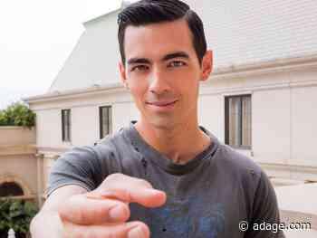 Odd brand swag alert: Expedia gives away 3D-printed replicas of Joe Jonas' hand