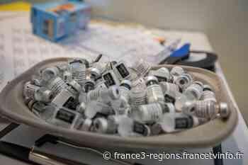 A Mandelieu-La Napoule dans les Alpes-Maritimes, le maire ouvre la vaccination aux plus de 18 ans - France 3 Régions