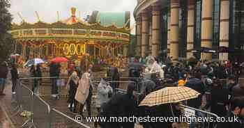 Shoppers queue for AN HOUR in the rain for the Trafford Centre on Bank Holiday Monday - Manchester Evening News