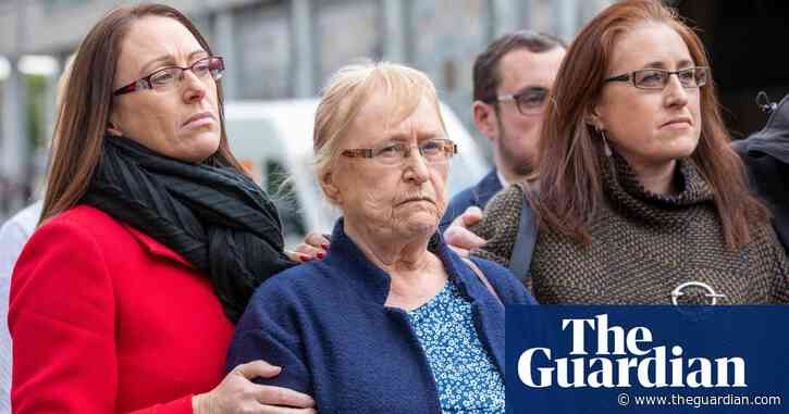 Trial of ex-soldiers over 1972 killing of Official IRA member collapses