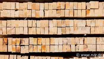 Handwerker leiden unter Nachfrage nach Holz - NDR.de