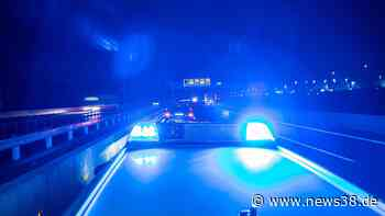 A2 bei Braunschweig: Irre Verfolgungsfahrt endet im Wald - News38