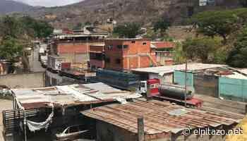 Guarenas | Dos días esperan conductores de transporte de carga para abastecerse de gasoil - El Pitazo