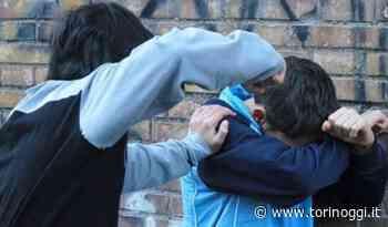 Moncalieri, minaccia con un coltello e rapina un coetaneo: 15enne denunciato dai carabinieri - TorinOggi.it