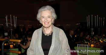 Nancy Lassalle, Longtime Promoter of Ballet, Dies at 93