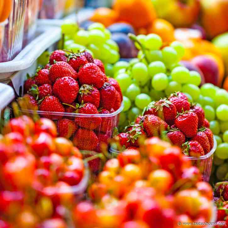 """How to Clean the """"Dirty Dozen"""" Fruits and Vegetables"""