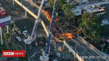 Mexico City metro: Fears structural failure behind deadly crash