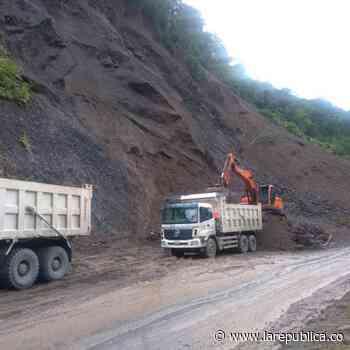 Fue habilitada nuevamente la vía Dabeiba-Mutatá, en Antioquia, tras derrumbes en la vía - La República