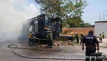Se quema camión y choca vehículo del Ayuntamiento de Mérida - Yucatán a la mano