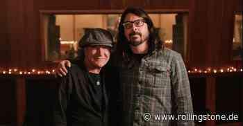 """Foo Fighters spielen """"Back In Black"""" von AC/DC mit Brian Johnson - Rolling Stone"""