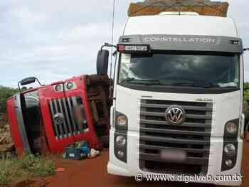 Santa Maria da Boa Vista: Uma só carga e dois caminhões virados - Blog do Didi Galvão