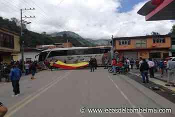 Transportadores se unen al Paro Nacional y cierran vía Cajamarca - Calarcá - Ecos del Combeima