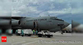 IAF bringing 352 empty oxygen cylinders from Singapore to Delhi