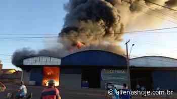 Barracão para armazenar adubos pega fogo em Campos Gerais - Alfenas Hoje