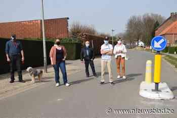 Bewoners halen slag thuis: snelheidsremmers weggehaald na pe... (Ninove) - Het Nieuwsblad