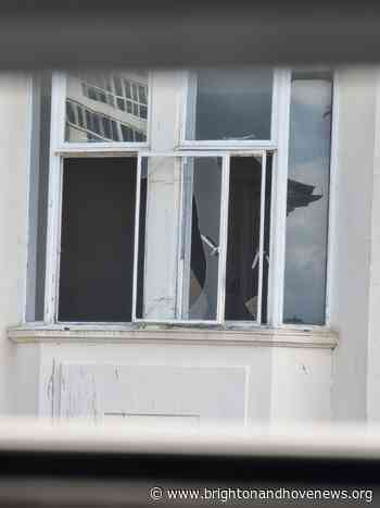 Western Road closed after window breaks in high winds - Brighton and Hove News
