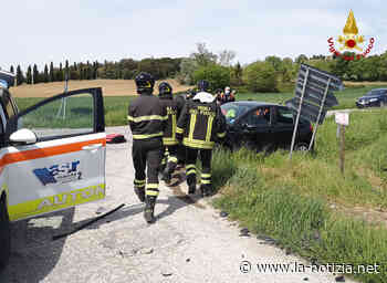 Filottrano, scontro tra auto: 4 feriti, uno è grave - la-notizia.net