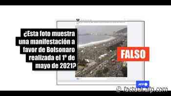 La foto de una multitud en Copacabana es de una visita del papa en 2013, no un acto pro-Bolsonaro - AFP Factual