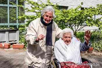 """Oudste tweeling van het land wordt 100: """"Bijzonder emotioneel weerzien"""""""