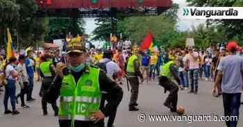 Video: Policías y civiles se enfrentaron en Sabana de Torres, pero a punta de fútbol - Vanguardia