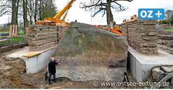 Spektakuläre Hebung von riesigem Findling in Altentreptow beginnt - Ostsee Zeitung