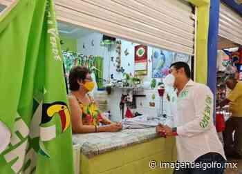 Claudio Trujillo muestra apoyo a locatarios del Mercado Puerto México - Imagen del Golfo