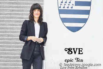 Sharon Van Etten releases 'epic Ten: Live from Zebulon' stream as new live album