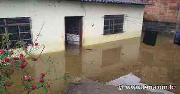 Água invade casas em Matozinhos e moradores são retirados - Estado de Minas