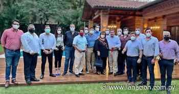 Dirigencia colorada de Asunción se reunió con Horacio Cartes - La Nación