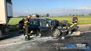 Incidente a Orbassano, scontro frontale tra un auto e un tir: uomo trasportato in ospedale - TorinoToday