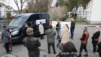 Umstrittenes Bauprojekt in Simmern: Petition zur Rettung der Simmerbachaue übergeben - Rhein-Zeitung