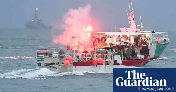 UK sends gunboats to Jersey as 80 French vessels protest in St Helier