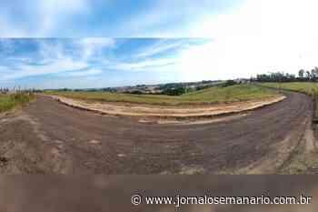 Sem poeira e buracos; estrada de acesso ao Pinhalzinho recebe manutenção! - Jornal O Semanário