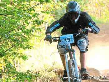 Waldbesitzer Wolf-Rüdiger Lange aus Enger ärgert sich über angelegte Rennpisten – seit Corona mehr Fahrradfahrer: Mountainbiker hetzen Rehe auf die... - Enger - Westfalen-Blatt