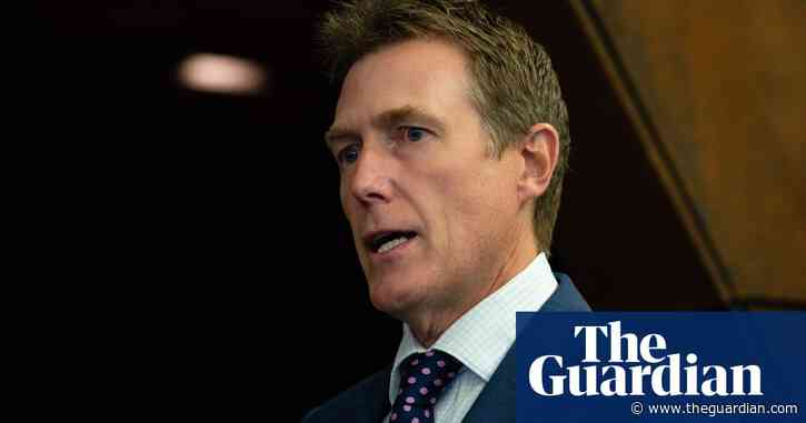 Christian Porter moves to strike out major sections of ABC's defamation defence