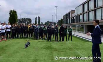 Inter, festa scudetto ad Appiano Gentile: brindisi con Zhang e maglie celebrative - Calcio News 24