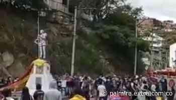 Manifestantes derribaron estatua de Francisco Fernández de Contreras [VIDEO] - Extra Palmira