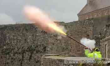 Military re-enactment enthusiast shoots MUSKET into the air at Jersey blockade