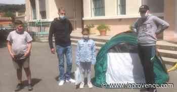 La Penne-sur-Huveaune : une famille s'installe sous tente devant la mairie - La Provence