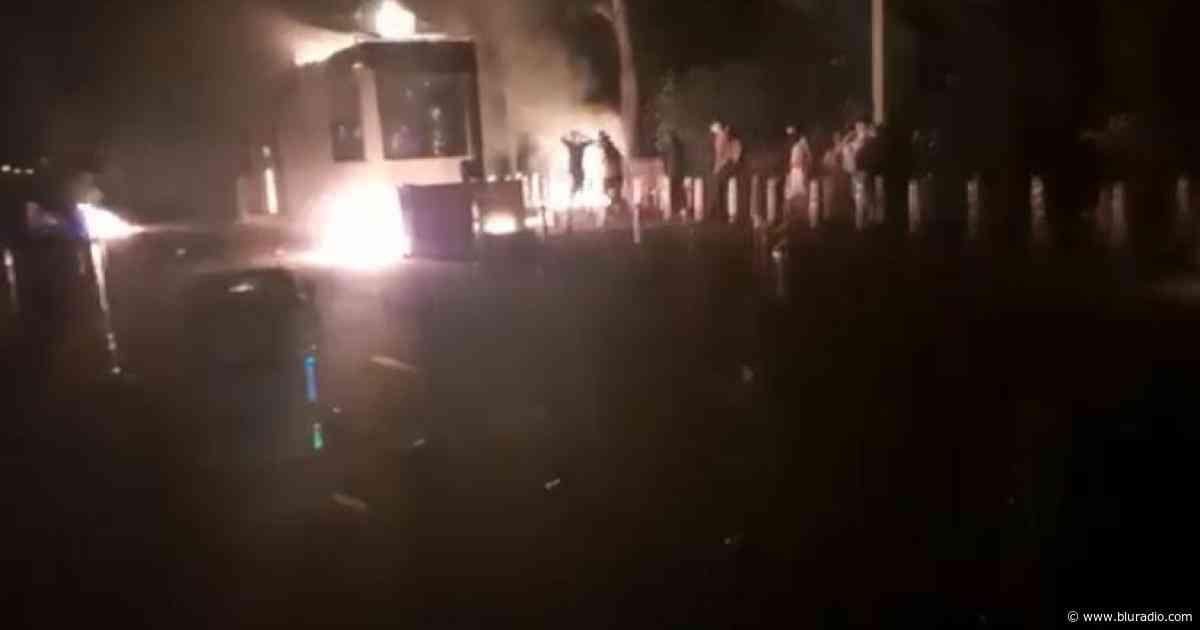 Video: vandalizaron peaje entre El Líbano y Armero Guayabal, en el Tolima - Blu Radio