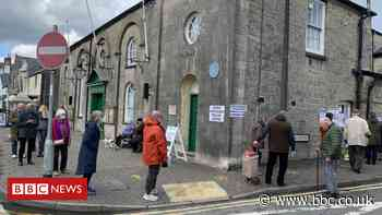 Welsh election 2021: Polls open for voting