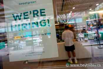 US unemployment claims fall to a pandemic low of 498,000