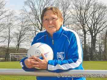 Fußball: Oma Birgitt trainiert sogar mit Krücken - Steinhagen - Westfalen-Blatt