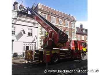 Dramatic scenes as firefighters scale Buckingham building - Buckingham Advertiser
