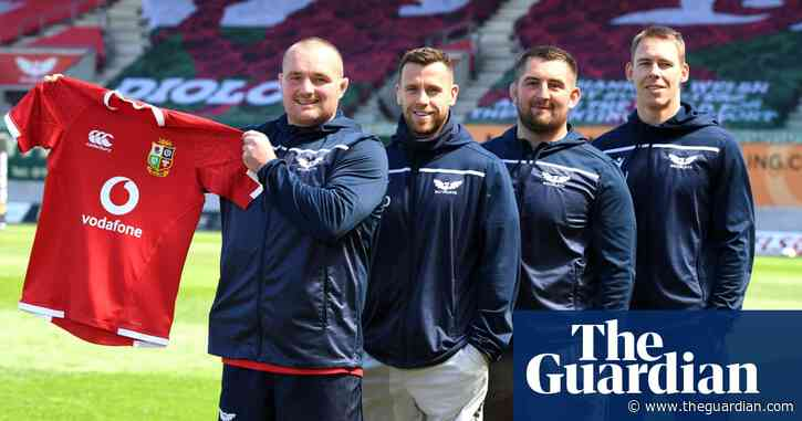 'It's incredibly special': Warren Gatland on Lions' tour of South Africa – video