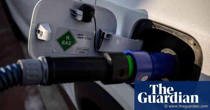 Using hydrogen fuel risks locking in reliance on fossil fuels, researchers warn