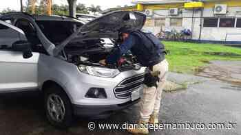 Carro roubado há 7 anos em Garanhuns é recuperado em Jaboatão - Diário de Pernambuco
