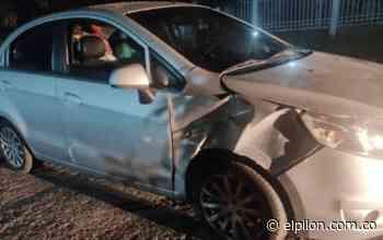 Atacaron a piedra vehículo de expareja del alcalde de Pailitas - ElPilón.com.co